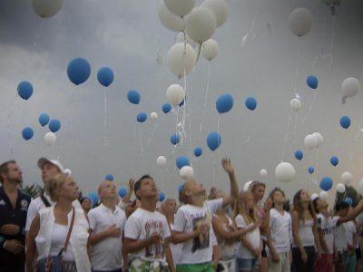 'Sterren tellen' voor slachtoffers MH17 | NOS Jeugdjournaal
